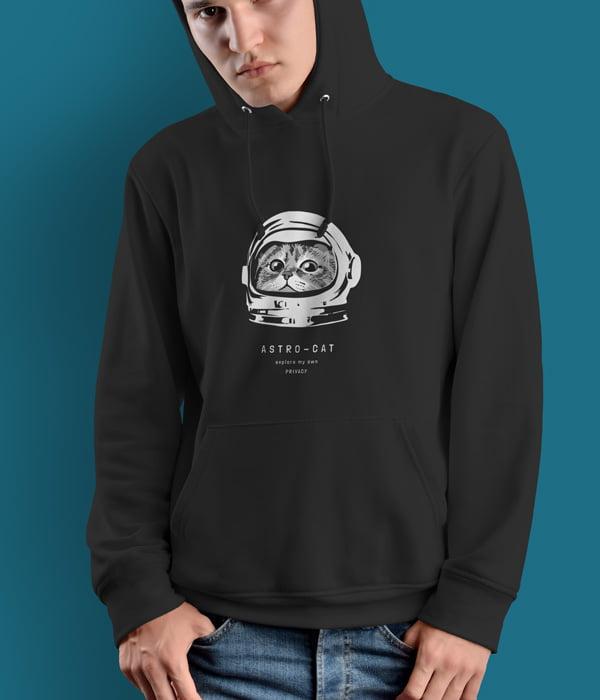 kedili tasarim sweatshirt astro cat siyah model erkek